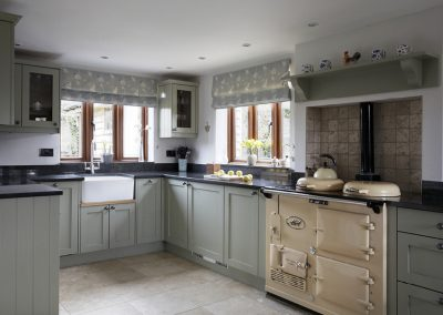 Bespoke-Kitchen-Cosy-Country-Kitchen