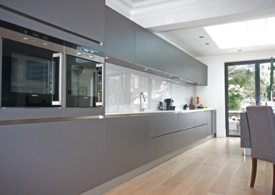 muswell-hill-2-photo-3-hacker-kitchen-matt-laminate-anthracite